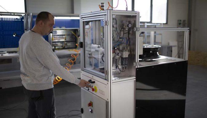 Dlaczego automatyzacja produkcji przemysłowej jest koniecznością przywspółczesnej produkcji?