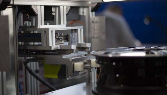 Jak automatyka przemysłowa wpływa narozwój przemysłu?
